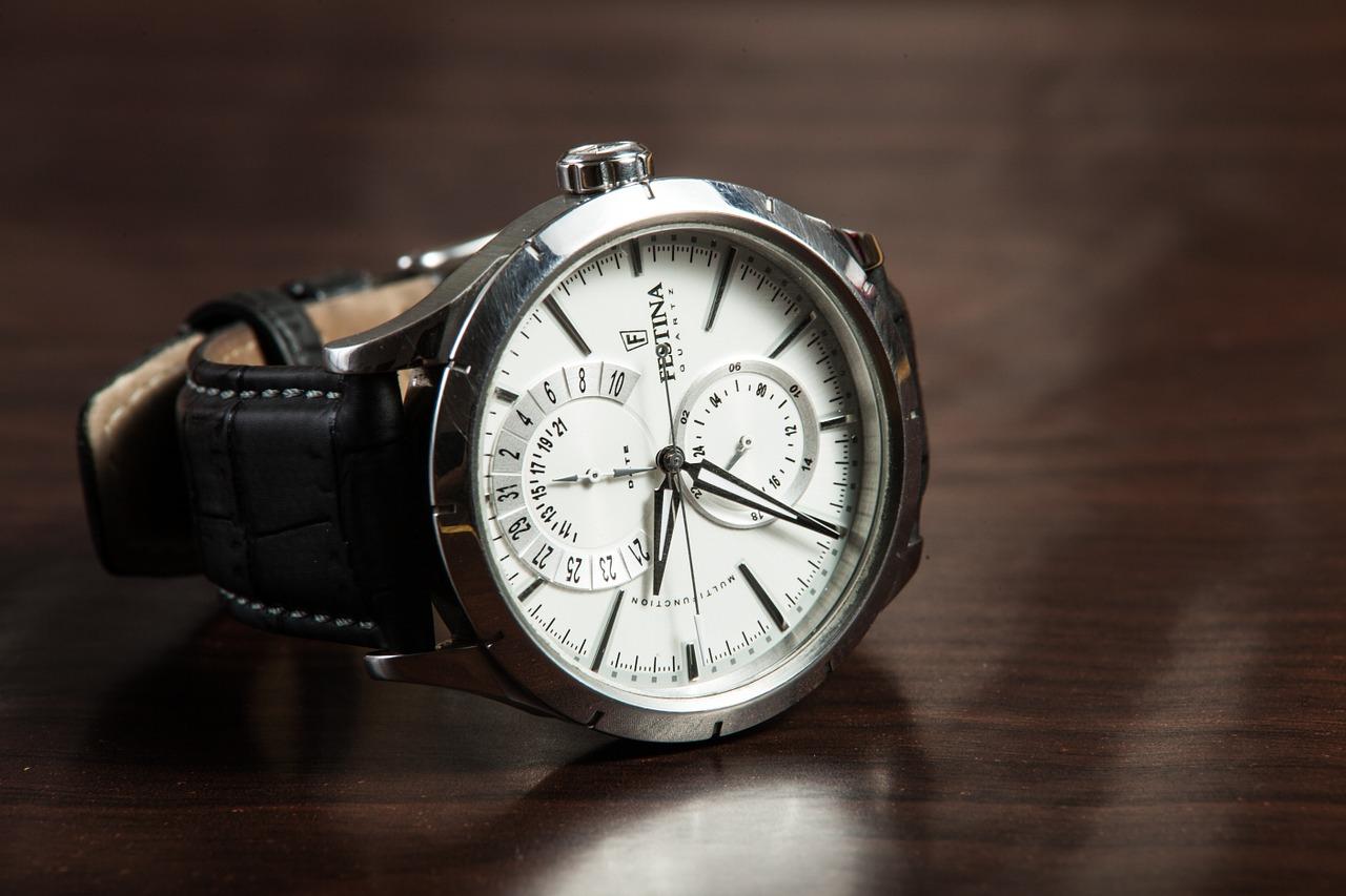size 40 80704 e4a19 メンズ腕時計で40代男性が選ぶ理想のブランドはこれ!一生モノの ...